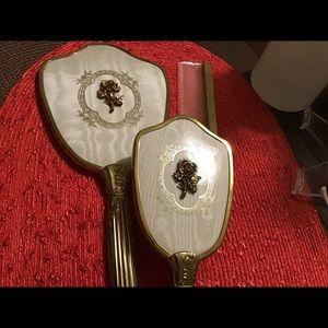 Accessories - Beautiful Women's Comb & Brush, Mirror Set